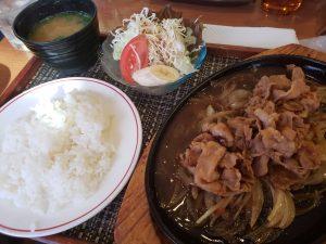 山田常磐館横のレストランの豚生姜焼
